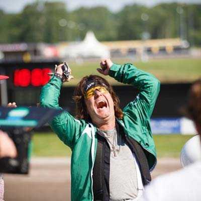 """Kee Marcello skriker ut sin glädje efter segern i """"Stjärnkusken"""""""