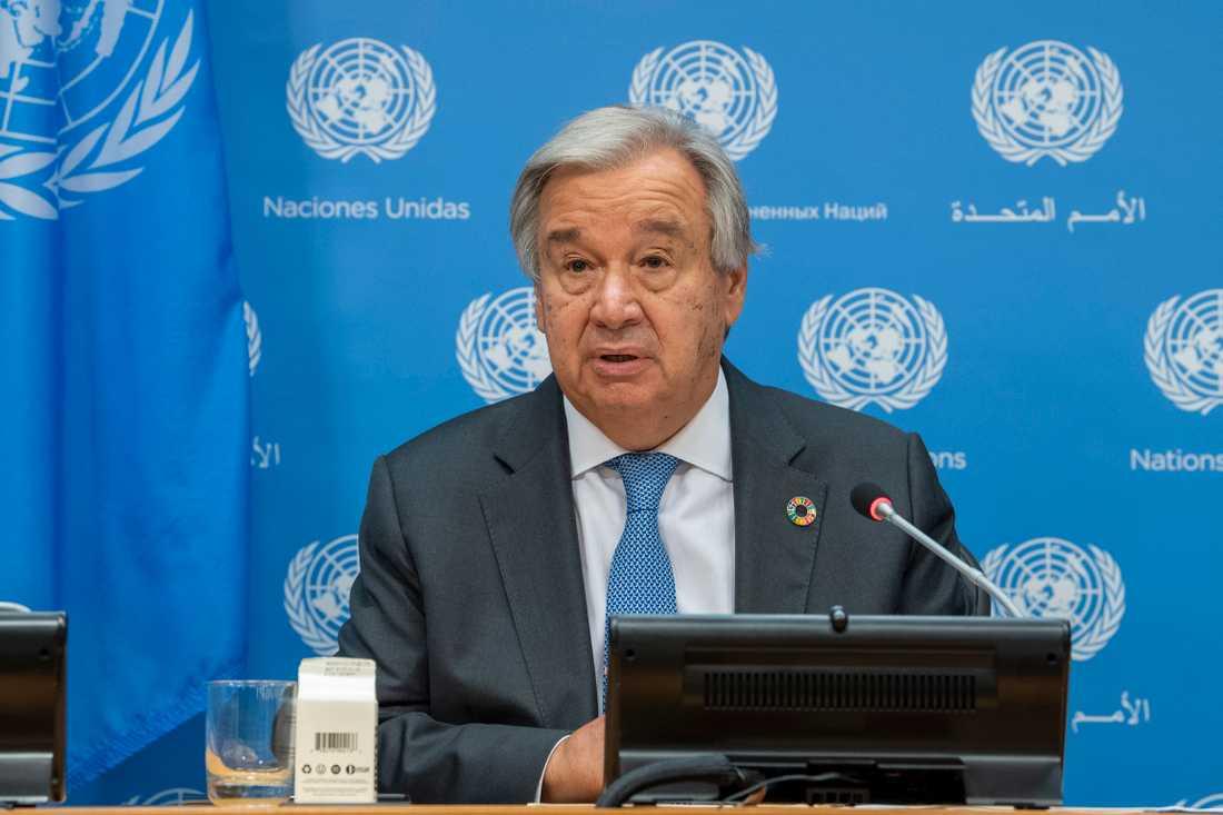 FN:s generalsekreterare António Guterres vädjar om internationellt stöd för global pandemibekämpning.