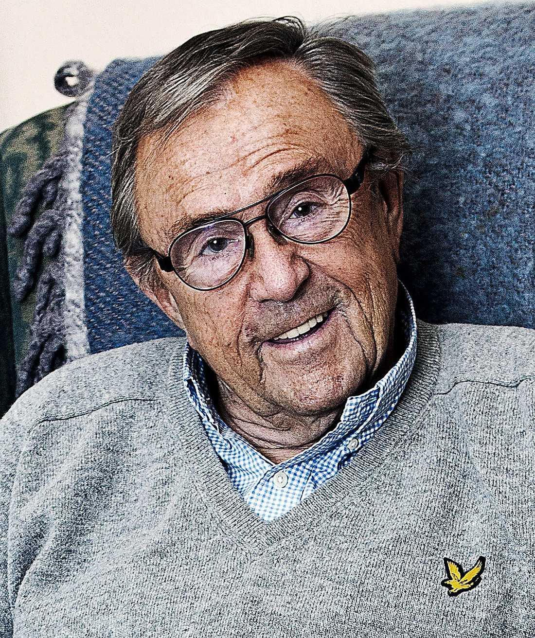 Arne Weise, 80: – Han är den som man förknippar yrket med från början, säger Henrik Bennetter, före detta hallåa i SVT. Utöver uppgiften som programpresentatör var Arne Weise kanalens programvärd på julafton mellan 1972–2002.
