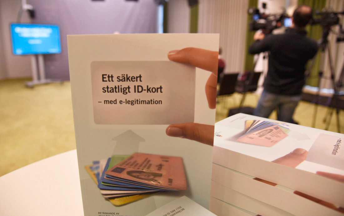 I framtiden ska Polismyndigheten utfärda id-kort, föreslår regeringens utredare.
