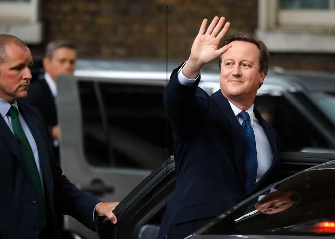 Det brittiska folkets beslut att lämna EU i folkomröstningen 2016 fick dåvarande premiärministern David Cameron att också lämna – sitt jobb. Den 13 juli 2016 for han till drottningen för att avgå.