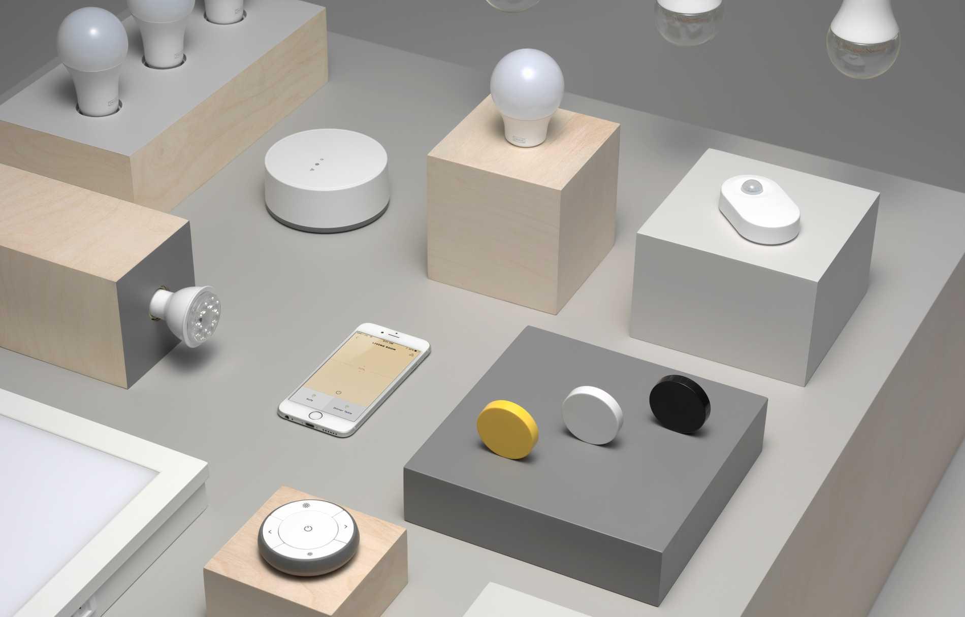 Ikea satsar på smarta produkter som lampor, eluttag och snart rullgardiner.