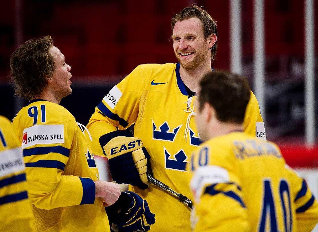 Mot seger I dag börjar allvaret för Jämtin, Kronwall och de andra i Tre Kronor. Förbundets minimikrav är en semifinalplats –  men Mats Wennerholm tycker alltid att Sverige ska gå för att stå högst upp på pallen.