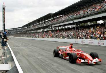 Ferraris Michael Schumacher vann loppet där bara sex bilar deltog.