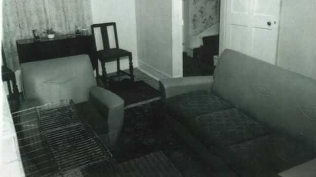 Familjens vardagsrum där mordet ska ha skett.