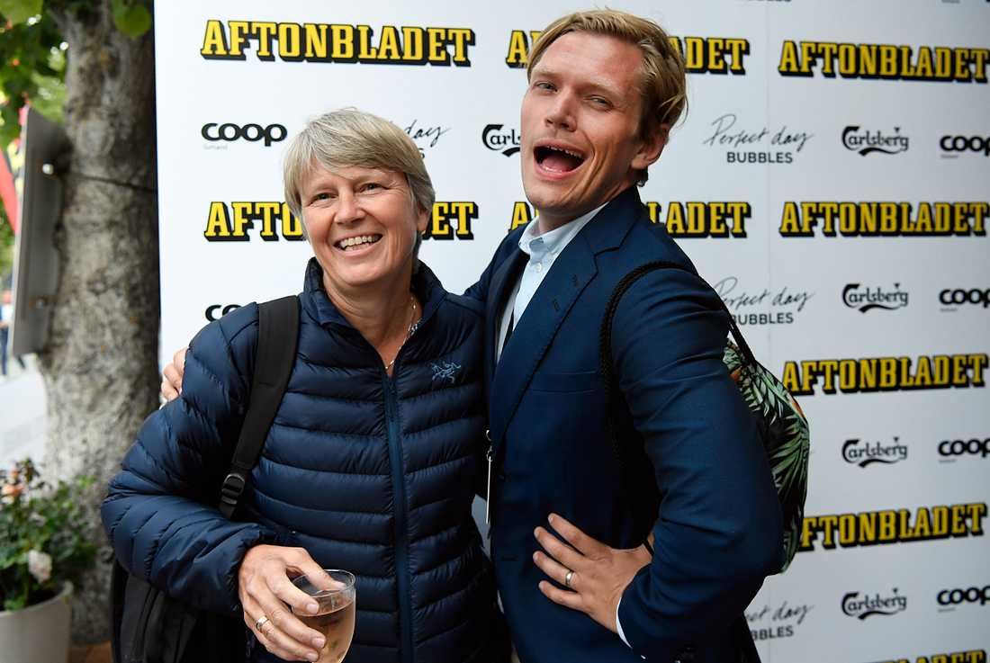 Statssekreterare Irene Wennemo med SR:s Henrik Torehammar.