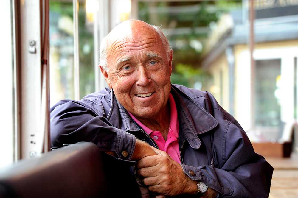 """Ingvar Oldsberg, 68 år, programledare, Göteborg """"Höj aldrig tonen och försök att skratta ofta. För barn tar efter av sin omgivning."""""""