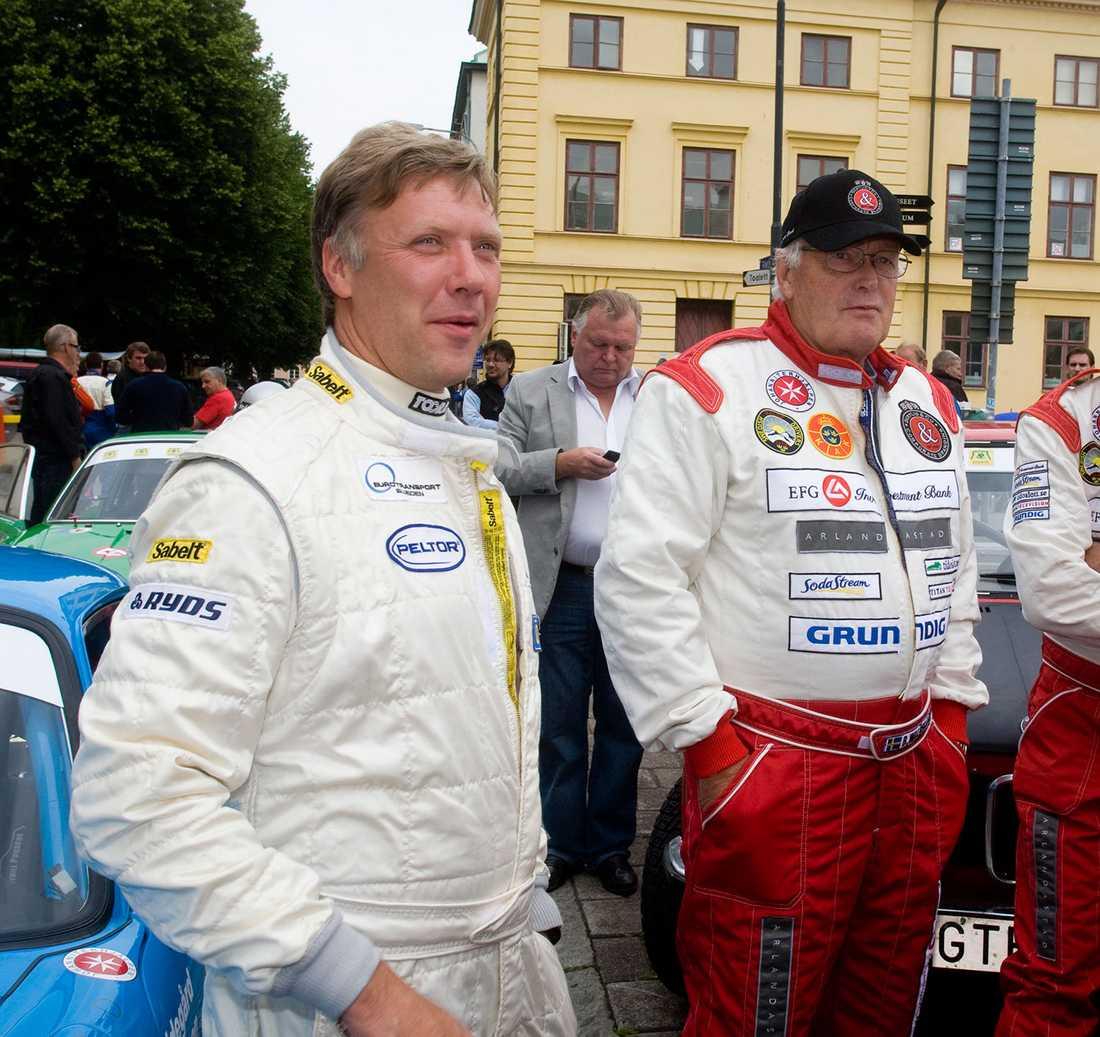 Björn Waldegård (till höger) med Mikael Persbrandt under Midnattssolsrallyt 2008.