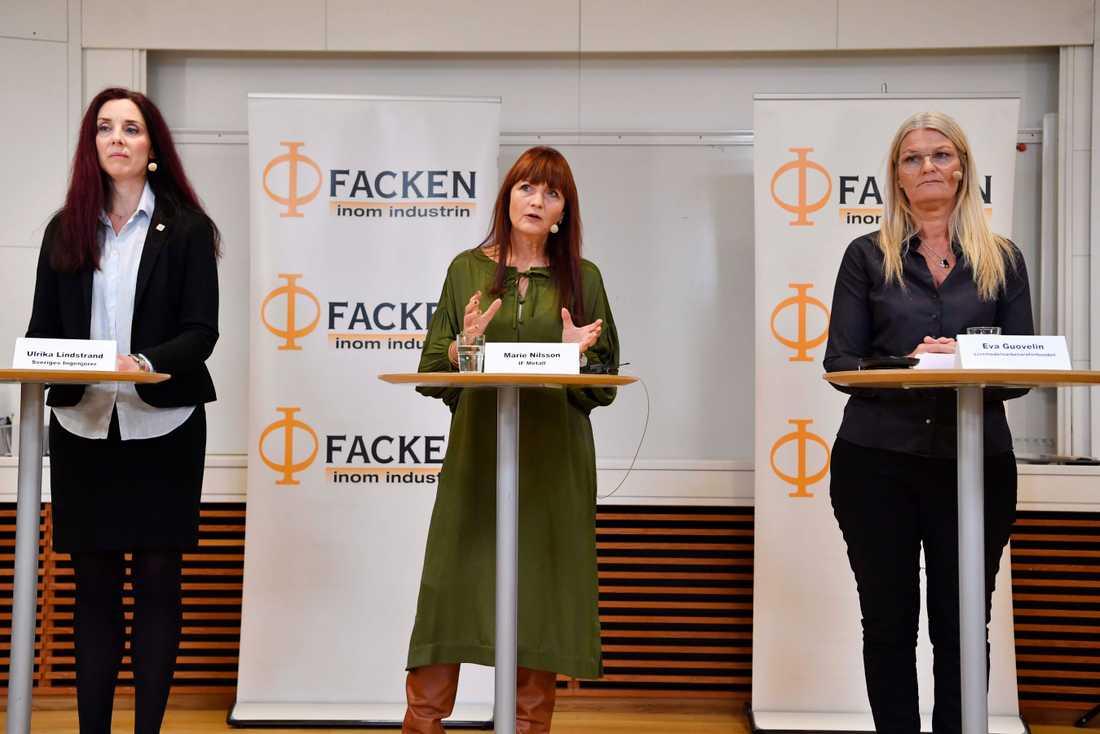 Ulrika Lindstrand, förbundsordförande Sveriges Ingenjörer, IF Metalls förbundsordförande Marie Nilsson och Eva Guovelin, förbundsordförande Livs vid en pressträff om industrins avtalsförhandlingar.