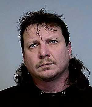 Gripen Polisen i amerikanska staden Waseca har gripit 37-årige Terry Allen Lester, misstänkt för att ha försökt bygga in en bomb i en vibrator.