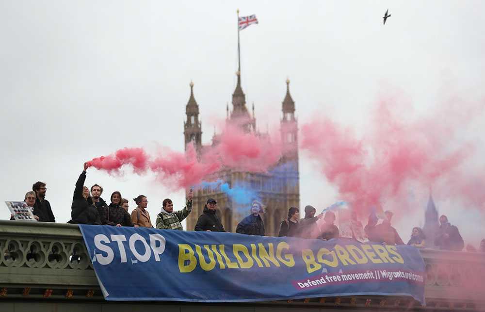 Anti-Brexit-demonstrationer på Westminster bridge i London.