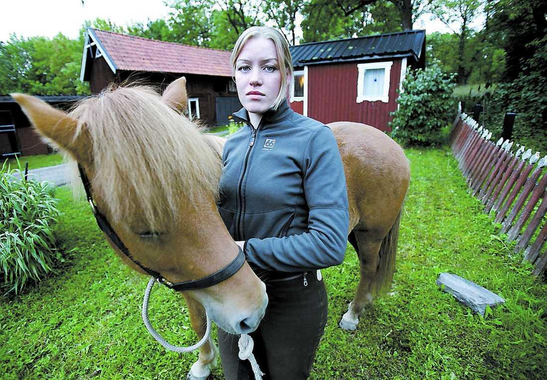Diskriminerad Sofia Lindblad sökte till veterinärutbildningen på SLU – förgäves. Platserna i hennes antagningskvot gick bara till män.