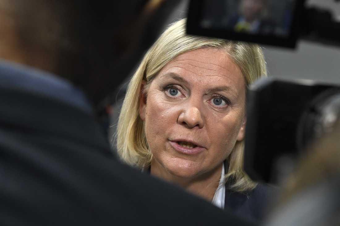 Finansminister Magdalena Andersson (S) menar att felaktiga utbetalningar i miljardklassen kan skada tilltron till välfärdssystemen. Arkivbild.
