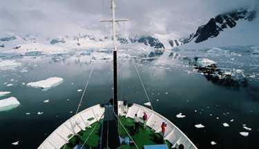 En kryssning till Sydpolen är ett äventyr. Den obemästrade naturen, det rika djurlivet och inte minst båtfärden som avslutas med en rundning av Kap Horn.