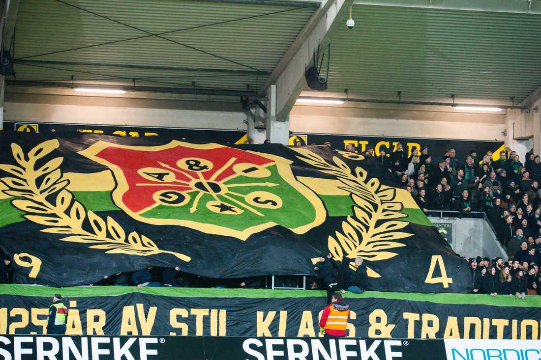 GAIS supportar med ett tifo inför fotbollsmatchen i Svenska Cupen mellan IFK Göteborg och Gais