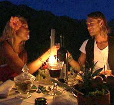 VANN DEJT Frida på en romantisk dejt med Gustav - som är tillsammans med Isabelle. - Hon hade all anledning att vara svartsjuk, säger Frida.