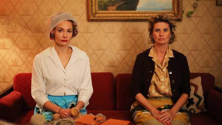 """Carina Berg och Christine Meltzer i """"Den fantastiska historien med Berg & Meltzer""""."""