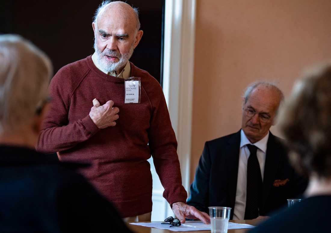 Arne Ruth, med ett förflutet som kulturchef på Dagens Nyheter och Expressen, höll ett kort anförande.