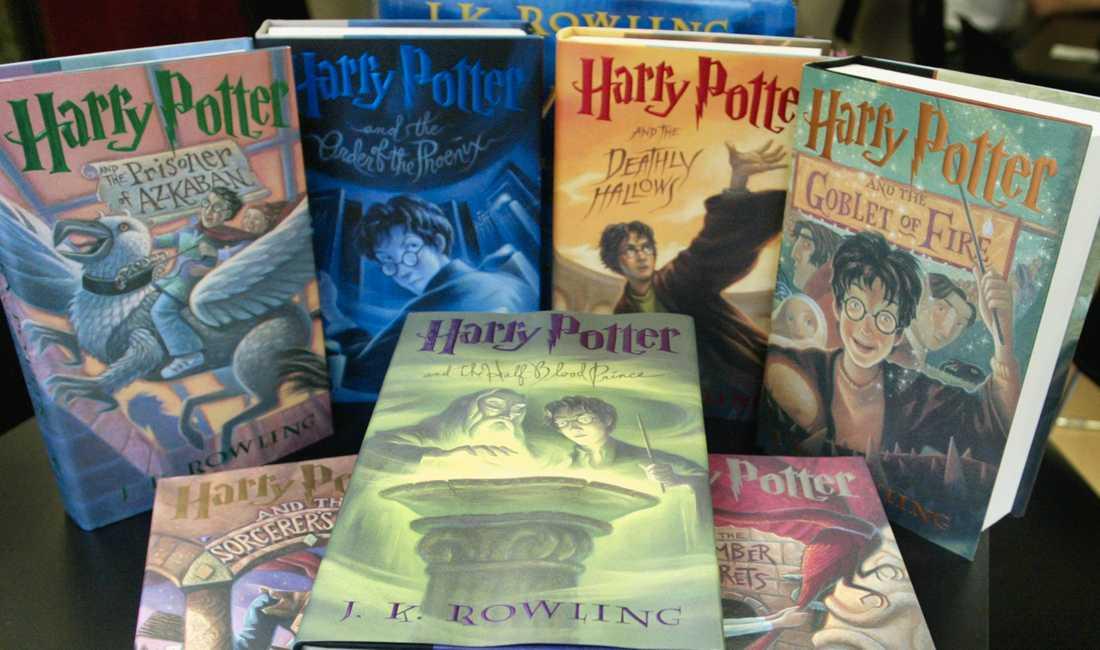 Harry Potter-böckerna har sålts i sammanlagt 450 miljoner böcker.