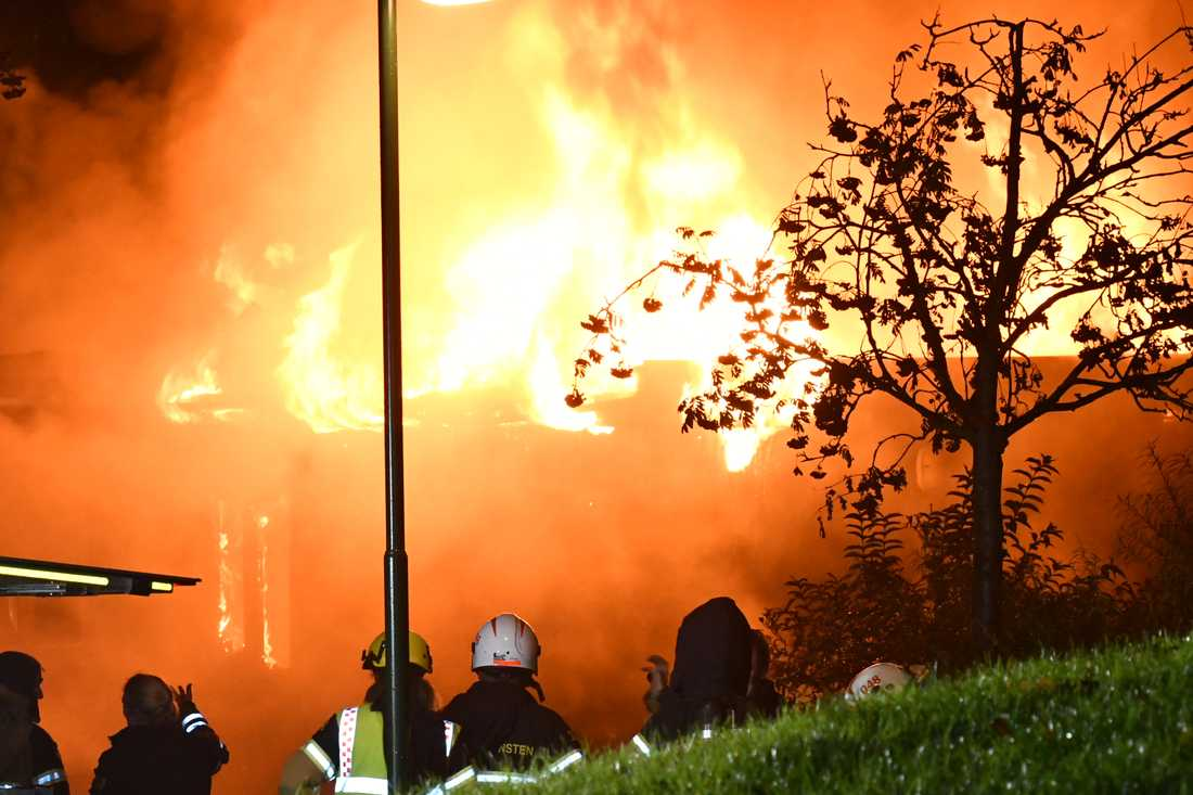 En förskola på Snödroppsgatan i Malmö började brinna våldsamt.