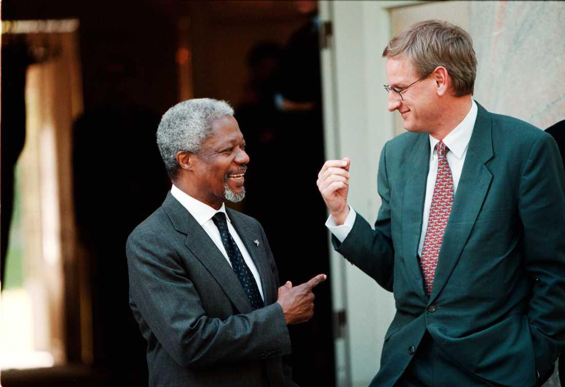 1999: Kofi Annan och Carl Bildt på Haga Slott.