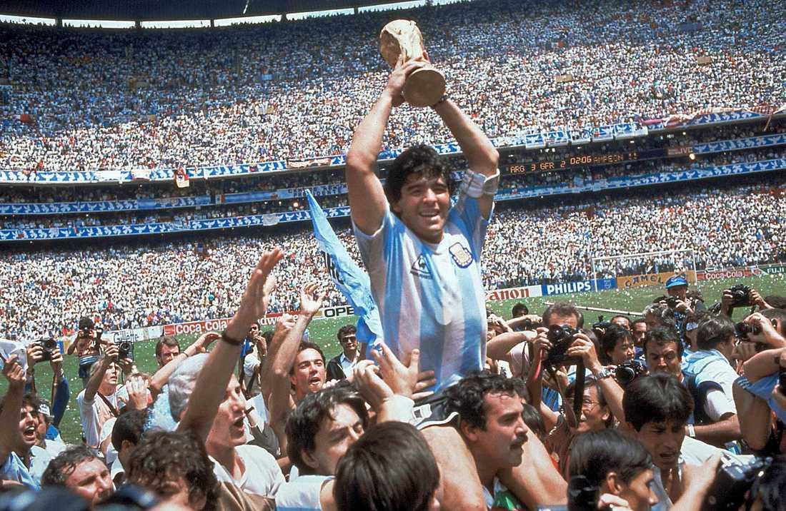 Diego Maradona efter VM-guldet 1986.