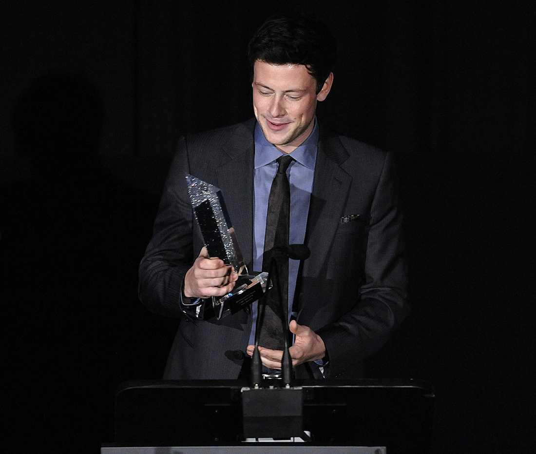 Här tar skådespelaren emot ett pris på Hollywood style awards i Los Angeles 2010.