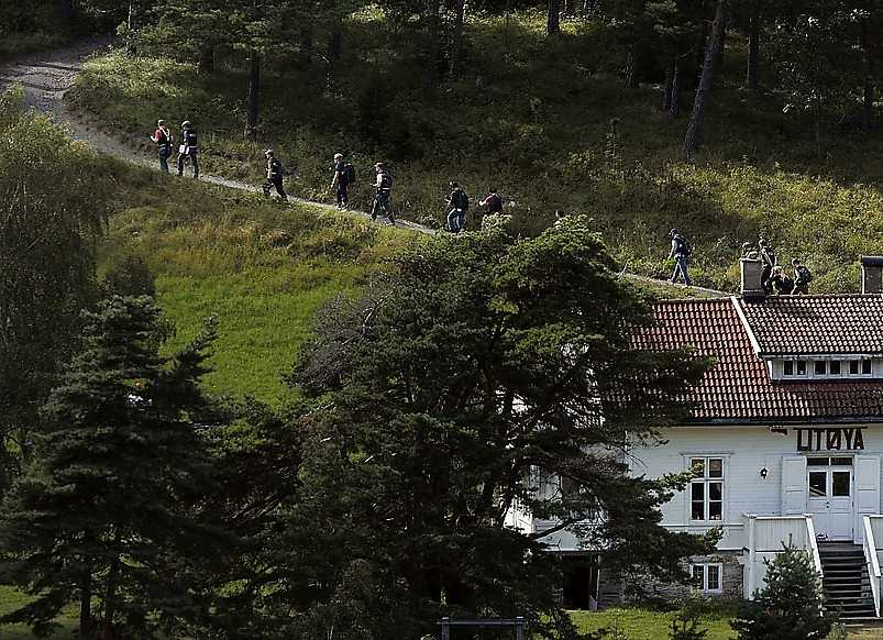 Den 13 augusti 2011 Breivik leder hela polisstyrkan upp mot huvudbyggnaden och campingplatsen på Utøya, där han dödade flera av offren.