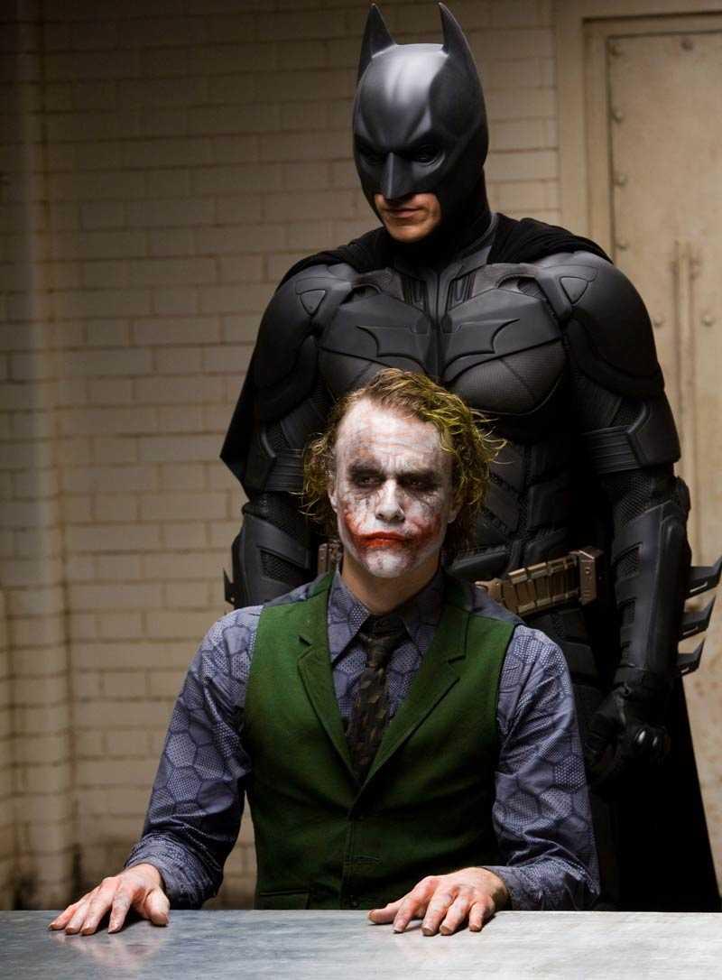 """Heath Ledger som Jokern och Christian Bale som Batman i """"The Dark Knight""""."""