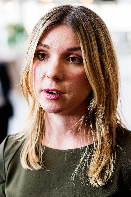 Magda Rasmusson kräver att Åsa Romson lämnar sin post.