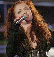 "Evelina rockade loss till George Michaels gamla dänga ""Faith""."