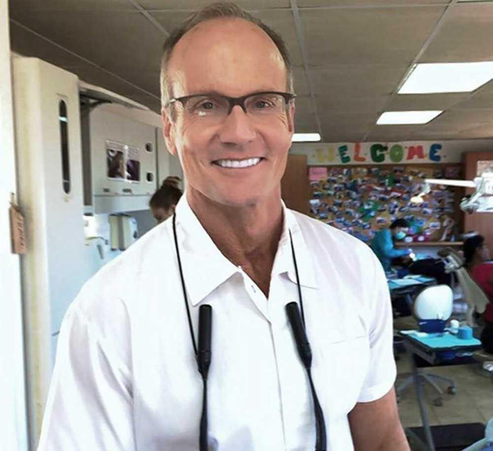 Tandläkaren Walter J. Palmer ska sedan ha skjutit Cecil.