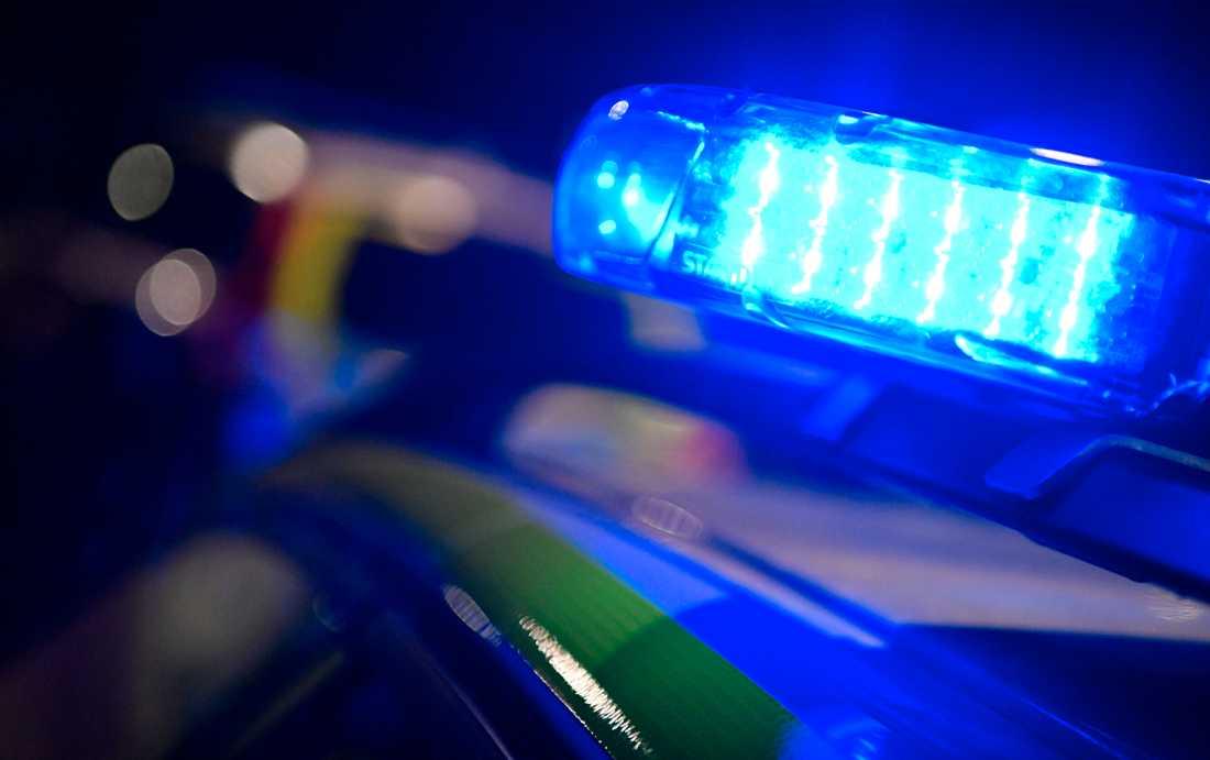 Polis, ambulans och räddningstjänst ryckte ut till en krock mellan lastbil och tåg utanför Hofors. Arkivbild