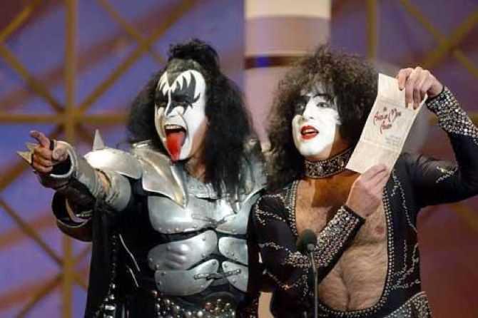 Frontfigurerna och motorn i Kiss - Gene Simmons och Paul Stanley.