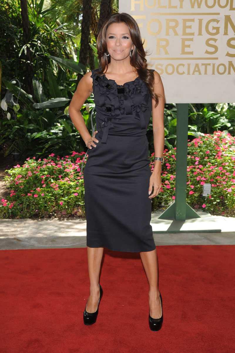 Eva Longoria Parker i svart aftonklänning från Reem Acra .