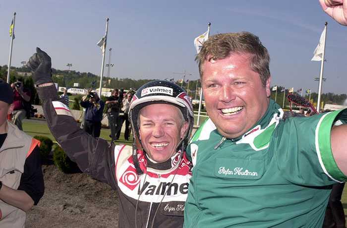 Stefan Hultman och Örjan Kihlstörm efter segern i Elitloppet 2003 med From Above.