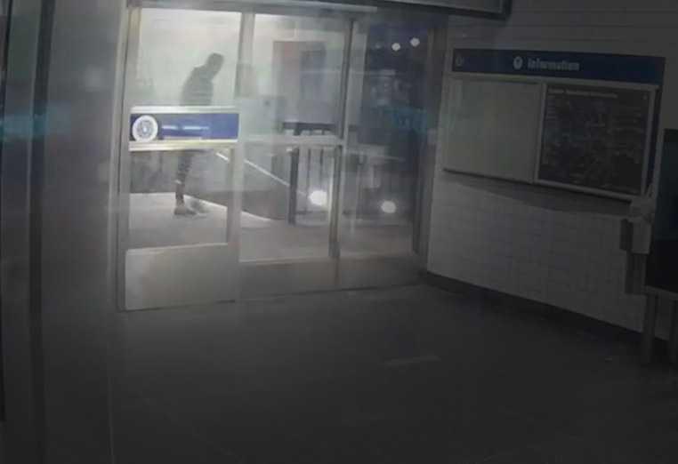 Bild från övervakningskamera.