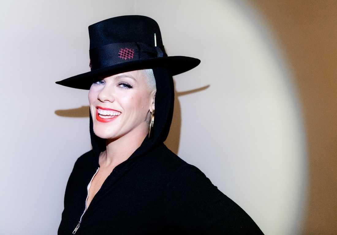 På Pinks åttonde album finns både något av det bästa och sämsta hon gjort.