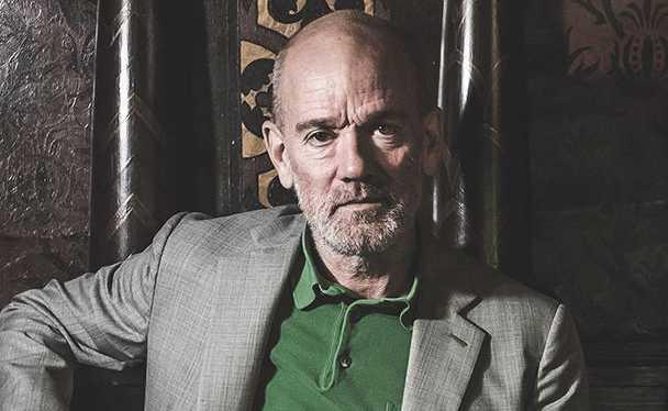 """Michael Stipe är tillbaka! R.E.M.-sångaren släppte i torsdags ypperliga nya singeln """"No time for love like now""""."""