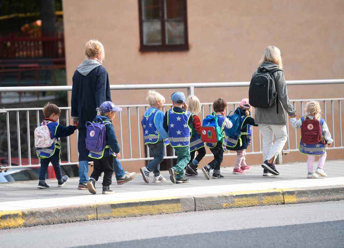 Så här tätt ska de danska barnen inte få gå när förskolorna öppnar igen. Arkivbild.