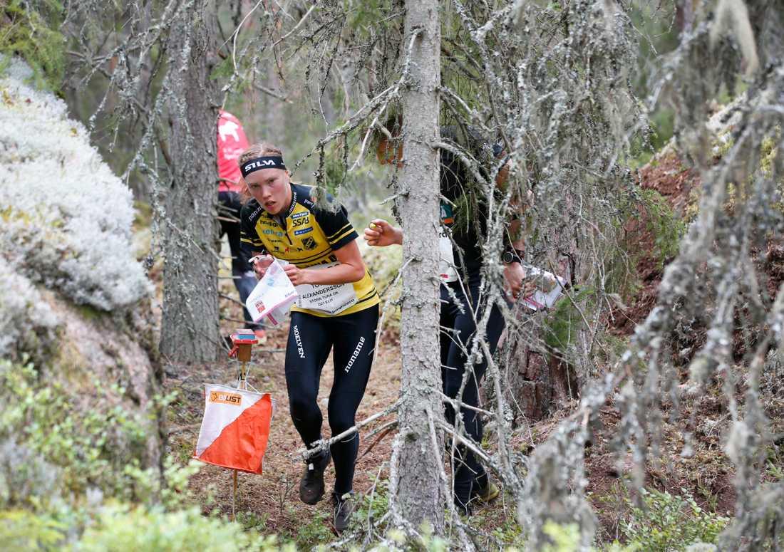Orienteringsstjärnan Tove Alexandersson har hittills varit helt överlägsen i skogarna runt Finspång i årets upplaga av O-ringen. Arkivbild.
