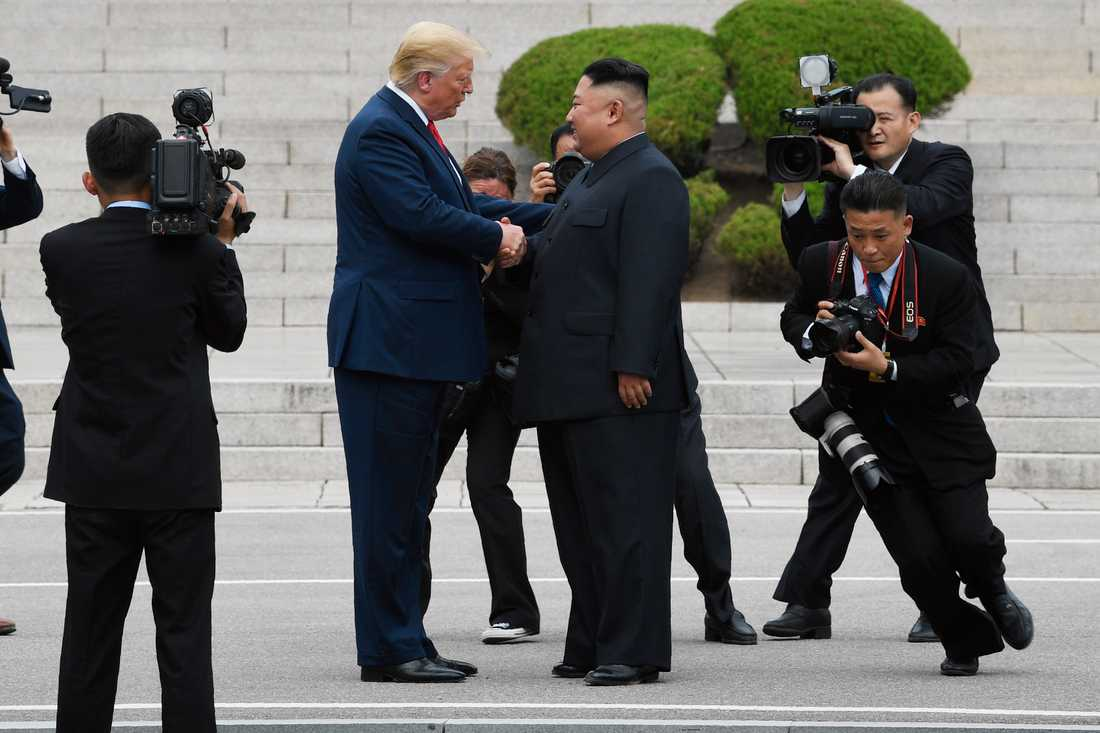 Donald Trump gick över på den nordkoreanska sidan om gränsen vid sitt möte med Kim Jong-Un.
