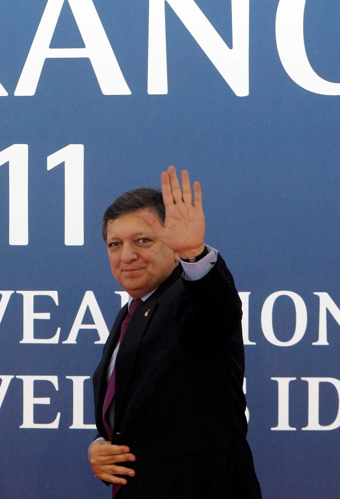 Europakommissionens ordförande Jose Manuel Barosso vinkar till folket...