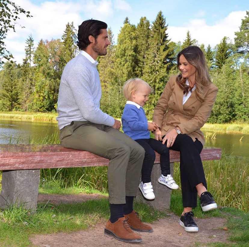 Prinsparet och lille Gabriel i Dalarna i augusti 2020.