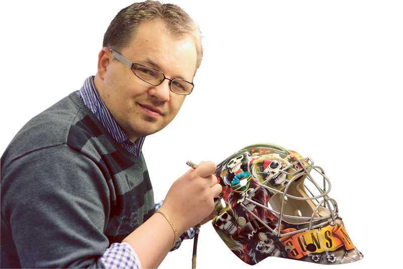 """""""Det har bara rullat på"""", berättar David Gunnarsson, som anlitas flitigt av dagens NHL-målvakter."""