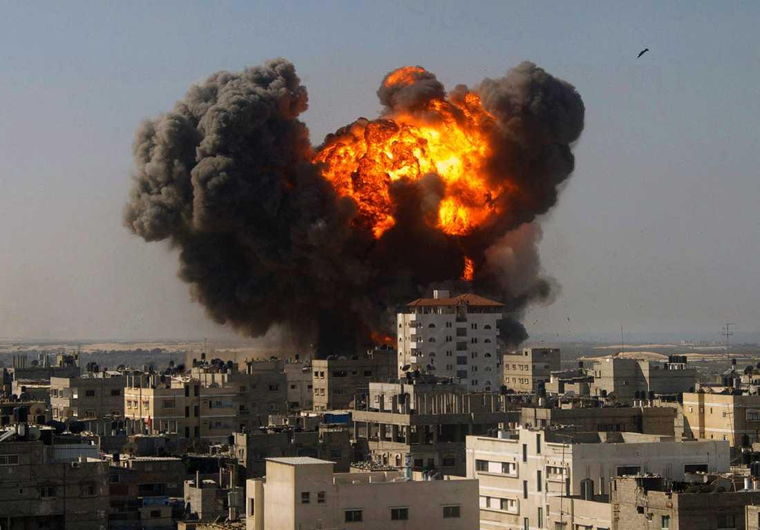 Explosion efter israeliska flygbomber i Gaza i januari 2009.