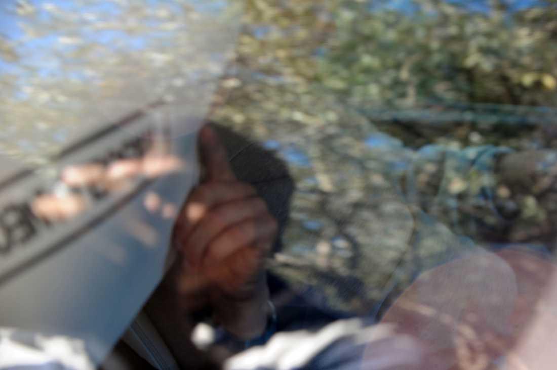 Martinez återvänder från sjukhuset efter omplåstring.