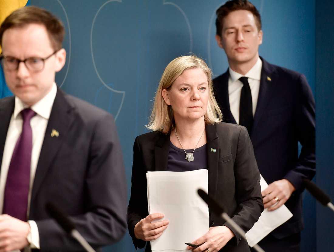 Finansminister Magdalena Andersson presenterade regeringens krispaket. 300 miljarder ska satsas på att stötta företag och arbetstagare.