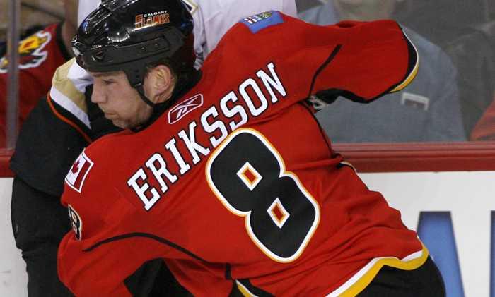 Här i Calgary Flames-tröjan!