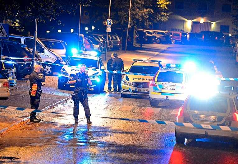 Stockholm , Malmö och Göteborg har drabbats hårt av skottlossningar i år. Sammanlagt har det inträffat 217 skjutningar fram tills i dag.